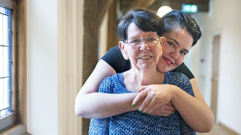 Dyezzie Blogt Over Haar Moeder Met Alzheimer: 'Ben Ik Mantelzorger?'