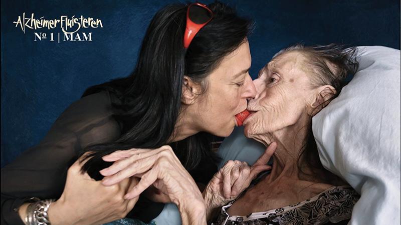 Alzheimerfluisteren:  1. Mam + Adelheid